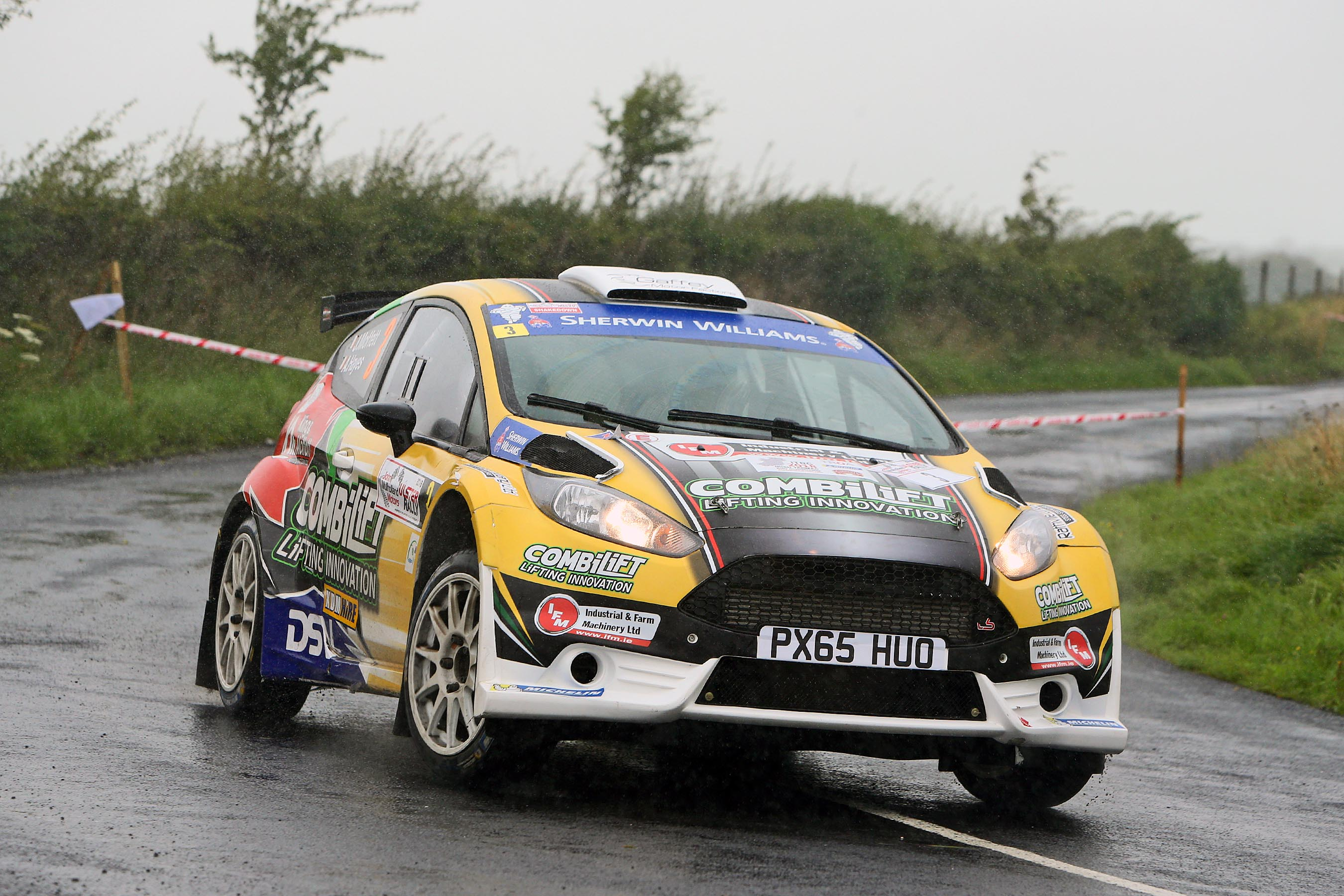 Moffett splashes to early Ulster Rally lead…